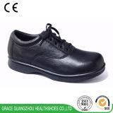 優美の健康の靴革はLace-upデザインに蹄鉄を打つ