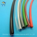 Tubulação expulsa da isolação do PVC
