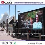 Carros móviles a todo color al aire libre de la cartelera de Digitaces LED para hacer publicidad