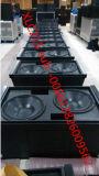 Im Freienzeile Reihen-System des Lautsprecher-Xlc127+ u. Xlc215 für Konzert und grosses Ereignis