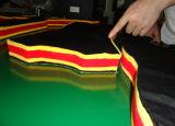 機械ファブリック打抜き機を作る服装の機械装置の布