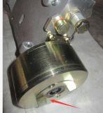 바퀴 로더는 Yuchai 엔진 부품 공기 압축기 연결을 분해한다