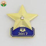 Belle conception personnalisée logo plaqué métallique en forme d'un insigne