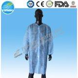 Couches non-tissées bon marché de laboratoire de polypropylène, robe protectrice de chemise, couches remplaçables médicales