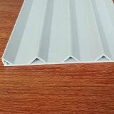 Graues Wellen-Form Belüftung-Plastikstrangpresßling-Profil