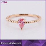 De kleine Gouden Eenvoudige Ringen van de Vinger van het Kostuum van het Zirconiumdioxyde van het Ontwerp voor Vrouwen