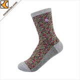 Blumen-Entwürfe auf hellgrauer Knöchel-Socke für Frauen (165025SK)