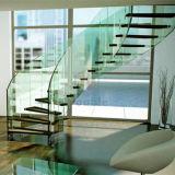 緩和されたガラスの柵が付いているステンレス鋼の曲げられたステアケース