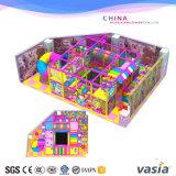 Campo da giuoco dell'interno della sosta dei capretti di temi della caramella per il centro del gioco o il centro commerciale