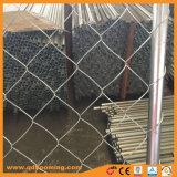 Maillon de chaîne avec une base de soutien de clôture temporaire