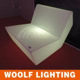 Canapé à LED à canapé à LED en plastique. Canapé-lit de restaurant