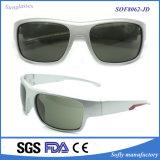 Os óculos de sol polarizados estilo da forma da promoção com desenhador possuem o tipo