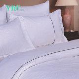 Tela stabilita dell'hotel del fornitore del Comforter di lusso su ordinazione all'ingrosso dell'assestamento di Yrf