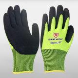De Beschermende Engelse 4131 Gekleurde Zandige Nitril Ondergedompelde Handschoenen van de hand