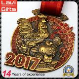 2017 más nuevo año del gallo medalla de oro de la antigüedad
