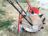 Rangée de Muti plantant et fertilisant le semoir de maïs