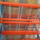 Cremagliera selettiva del magazzino con la rete metallica