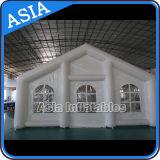 Tenda di campeggio gonfiabile di cerimonia nuziale del traforo del grande magazzino gonfiabile portatile bianco