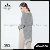Le donne Ribbed i lavori o indumenti a maglia lunghi della tunica della fessura del lato del manicotto del collo di V