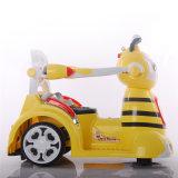 Il giro sull'automobile gioca l'automobile di batteria dei capretti dell'ape mellifica con RC