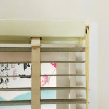 Просто занавес штарки шторок окна типа для дома или офиса