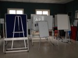 Projeto novo Whiteboard com o Mbilestand para a sala de aula ou o quarto de reunião