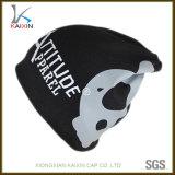 黒い子供のための印刷のロゴのアクリルの帽子によって編まれる暖かい帽子