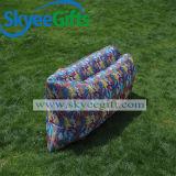 Newestlyの不精なソファーの涼しく多彩で膨脹可能な空気ソファー