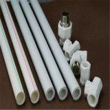 Le chaud et froid l'eau potable en allemand standard des raccords du tuyau de PPR en plastique vert