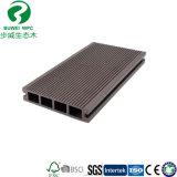 La Chine Cheapest WPC Decking pour l'extérieur du panneau