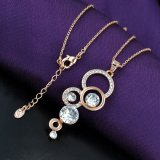 女性のための熱い販売の45cmの長さの円の水晶吊り下げ式のネックレス