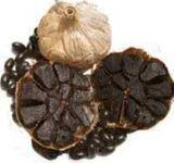 Ail noir fermenté bon par goût avec l'indemnité