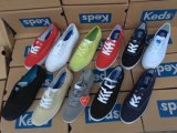 De Schoenen van het canvas, de Schoenen van Mannen, de Schoenen van Vrouwen, de Schoenen van het Comfort, slechts USD1/Pairs, 10000pairs