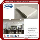 Dalle de plafond en fibre de verre noir/panneau de plafond suspendu avec 600*600 600*1200