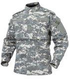 La fuerza de defensa militar de combate del Ejército uniformes ACU