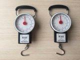 훅의 수동 용수철 저울 32kg가 무게를 다는에 의하여 오른다