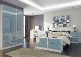 Elegant Design High Gloss Lacquered Bedroom Furniture (HF-MN012)