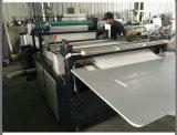 Machine de découpage de roulis de papier d'emballage avec la fente