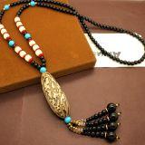 De traditionele Uitstekende Etnische Halsbanden van de Leeswijzer