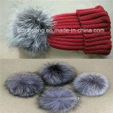 Шлем зимы верхнего качества связанный с симпатичной шерстью POM Poms