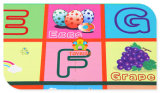 子供の困惑のアルファベット、番号、4枚のタイルおよび端の演劇のマット