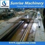 WPCのDeckingの塀の床のプロフィールの放出機械Zhangjiagangの日の出
