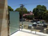 서리 유리제 발코니 난간 디자인