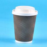 Rizado de papel kraft de taza de café de la pared con tapa