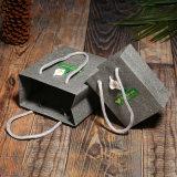 Tamanho pequeno sacos de papel personalizados do presente com vara da flor