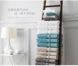 Essuie-main cinq étoiles de luxe d'hôtel de serviette éponge De coton d'approvisionnement de constructeur de la Chine