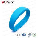 Bracelet réinscriptible d'IDENTIFICATION RF de silicones d'à haute fréquence de qualité pour la natation