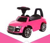 As crianças aprendem carros de Slding