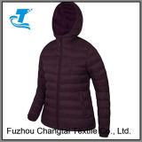 Куртка прокладки женщин для взбираться горы
