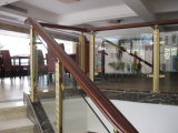 AluminiumEdelstahl-Unterstützungs-Belüftung-hölzerne Handlauf-Treppe